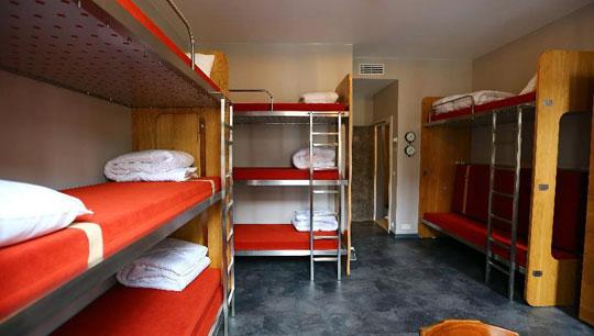 Brussel_train-hostel-hotel
